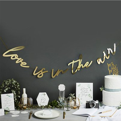 Gouden 'Love Is In The Air' Letter Banner - 2m